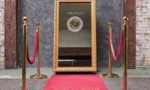 SELFIE MIRROR PHOTO BOOTH - SPECCHIO FOTOGRAFICO TORINO