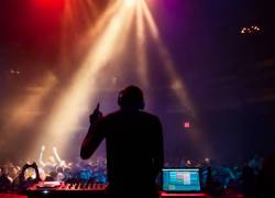 DJ SET - DEEJAY PER EVENTO AZIENDALE